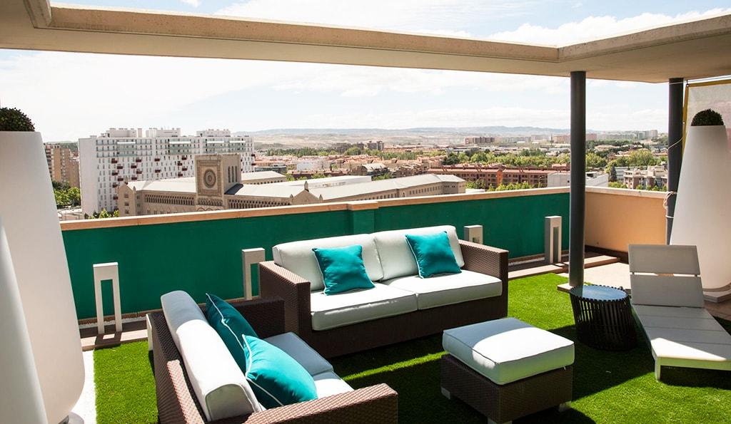 Decoraci n de terrazas de ticos globalia espacios - Como decorar una terraza grande ...